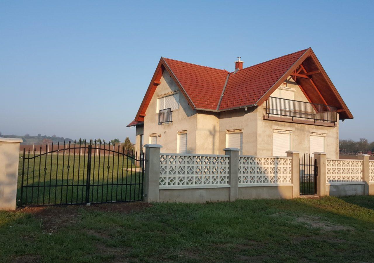 Balatonhuis (Under construction)